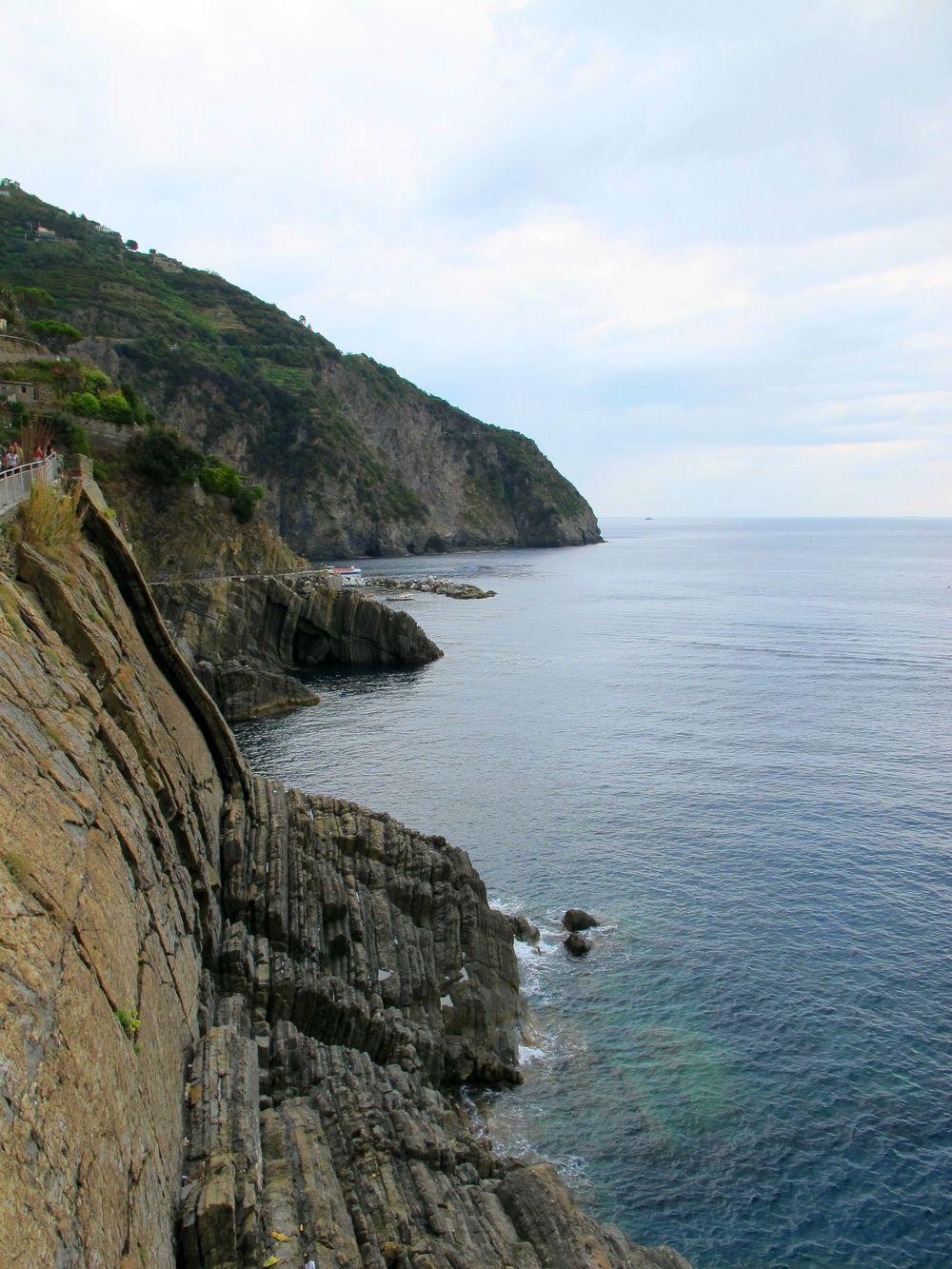 r water cliff.jpg