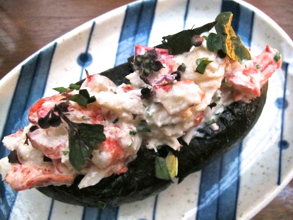 Hinoki & the Bird's lobster roll