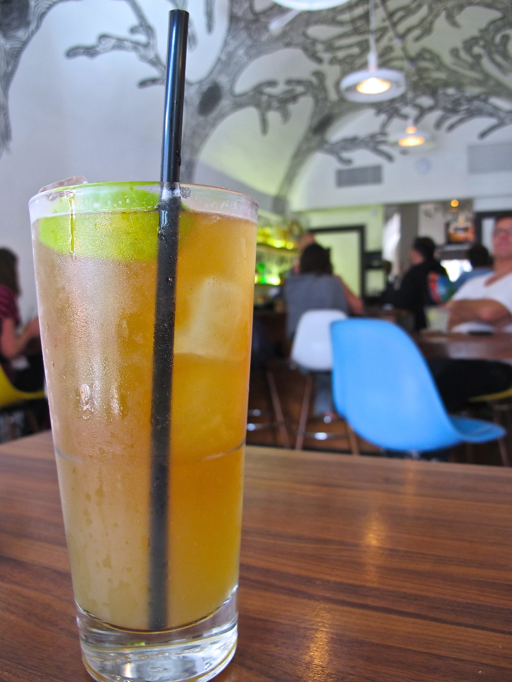 Tinga's beer and margarita = Laga-rita