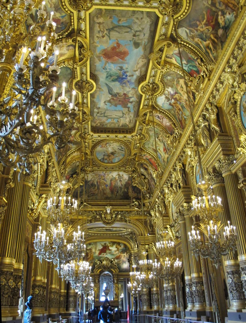 gold hall.jpg