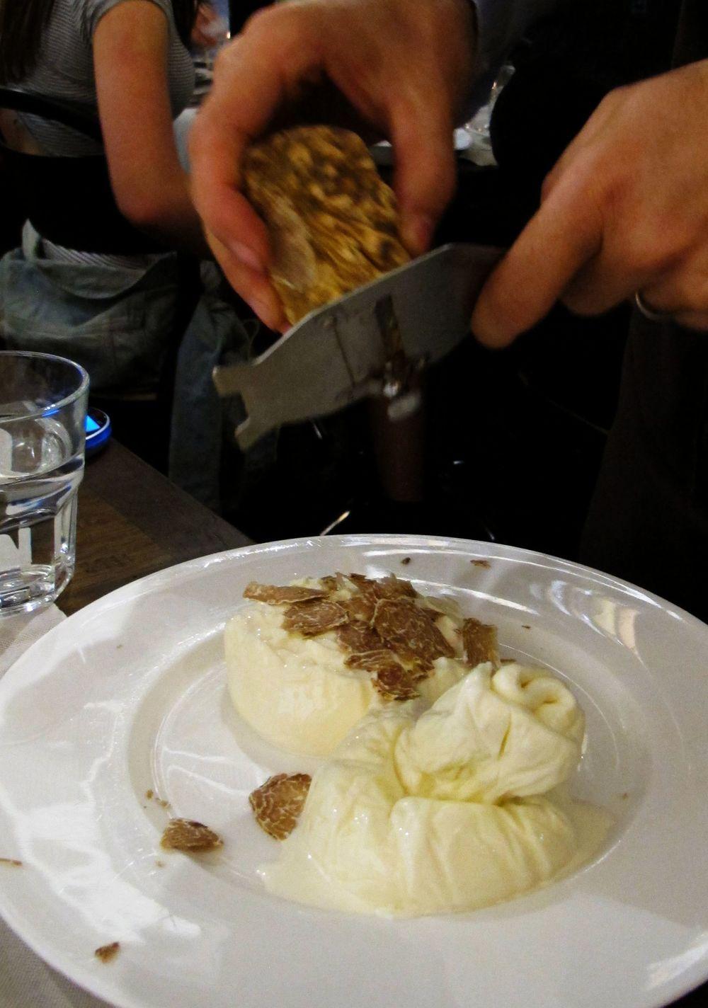 r truffle burrata.jpg
