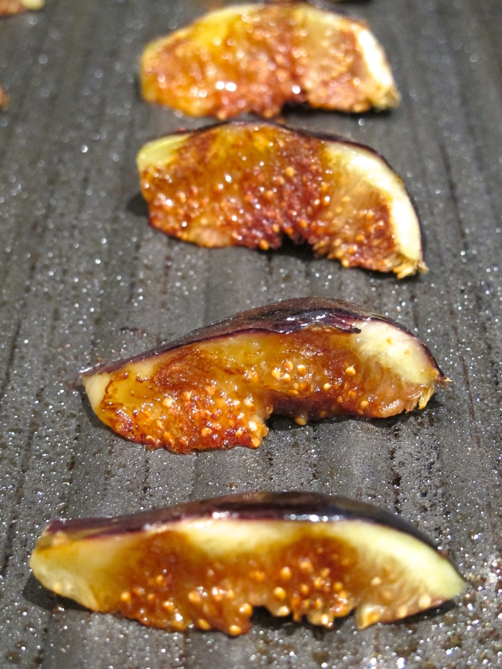 grilled figs