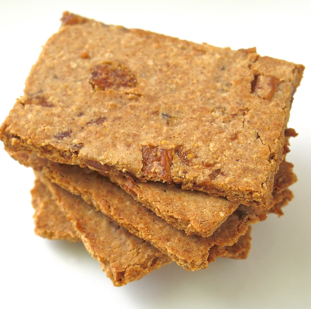 fig almond flour crackers