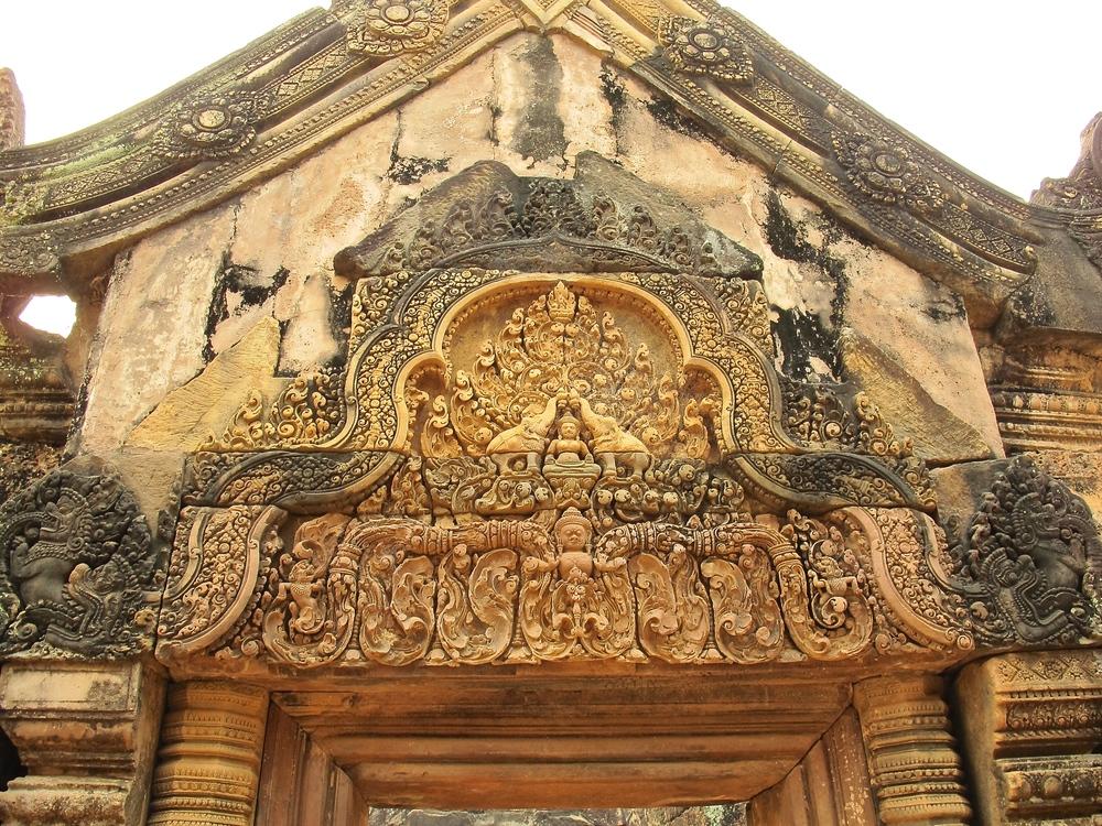 Banteay Srei, Angkor, Cambodia.JPG
