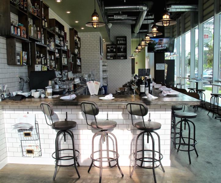 eLOVate bar area