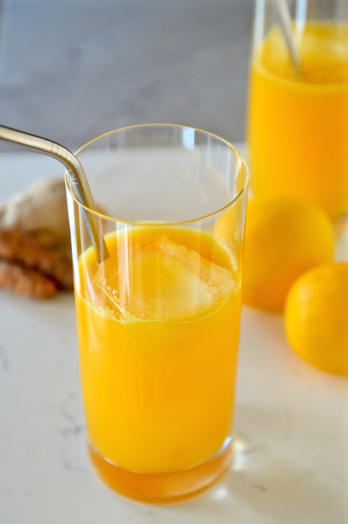 Anti-Inflammatory Lemon Turmeric Tonic