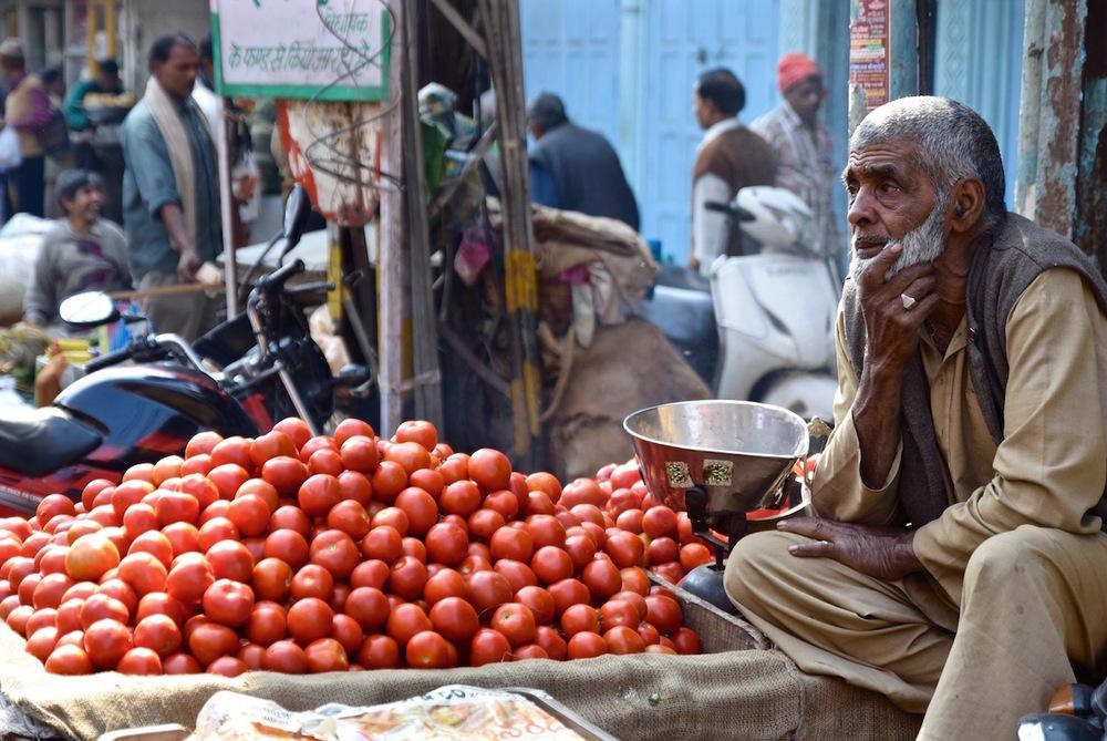 Delhi market tomatoes