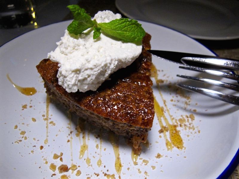 Inotheke walnut cake