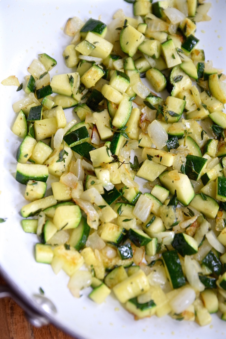 Sauteed zucchini with thyme