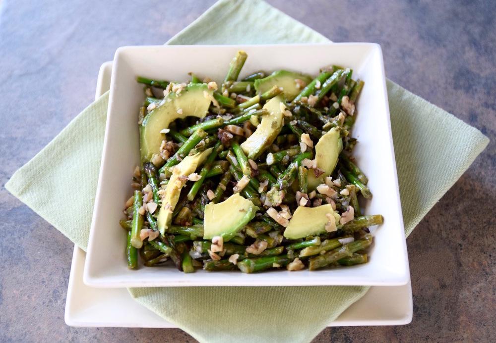 Asparagus Avocado Salad with Walnut Vinaigrette | TastingPage.com