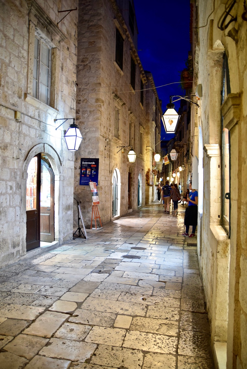Dubrovnik street.jpg