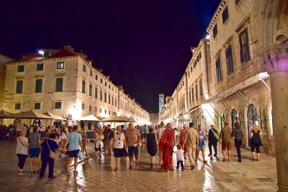 Dubrovnik Croatia old town.jpg