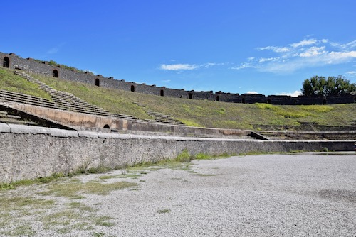Pompeii colisseum.jpg