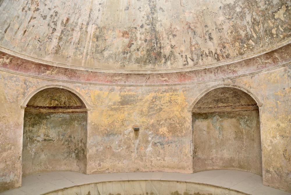 Pompeii spa.jpg