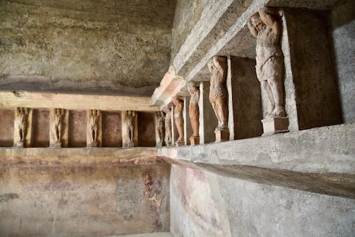 Pompeii statues.jpg