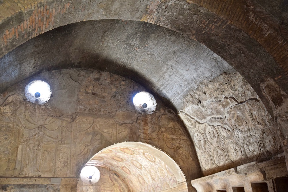 Pompeii arches.jpg