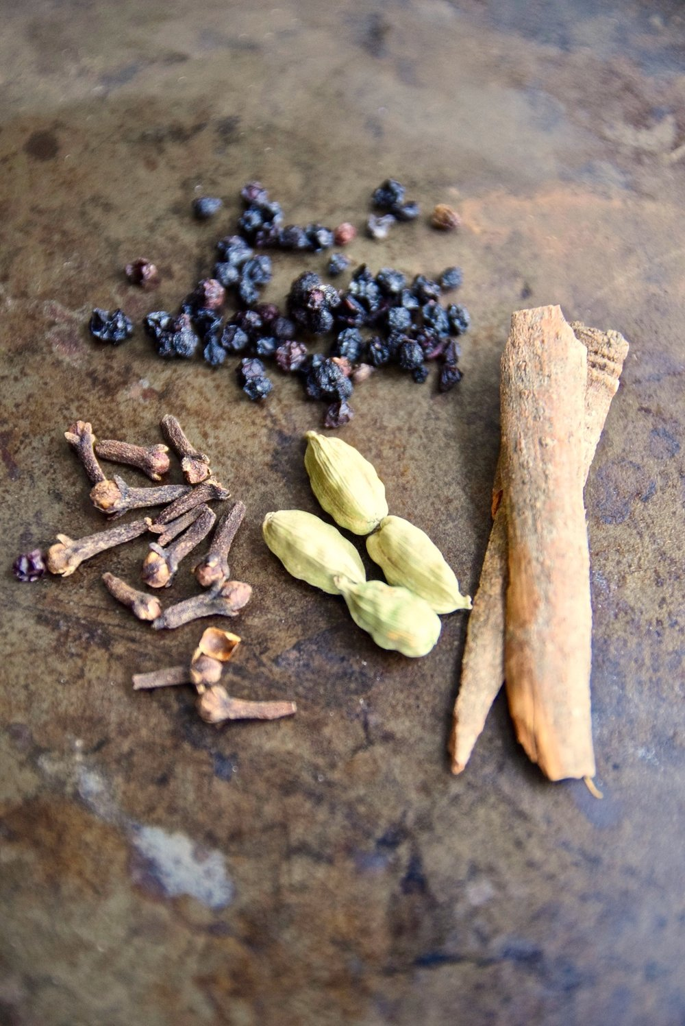 Cold busting immune boosting elderberry tea | TastingPage.com