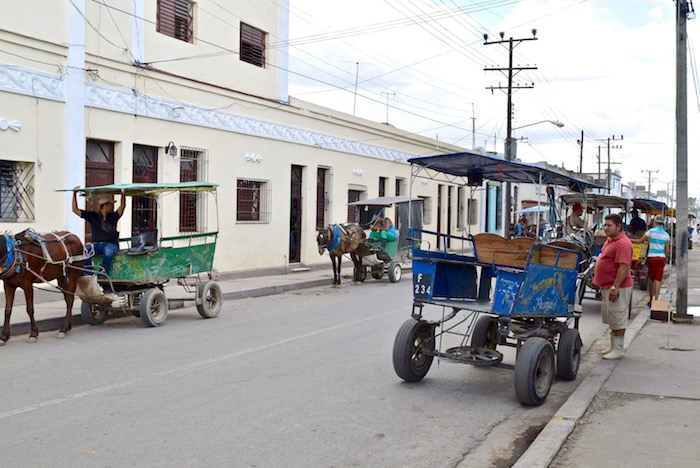 Cienfuegos horse cart.jpg