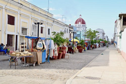 Cienfuegos shopping.jpg