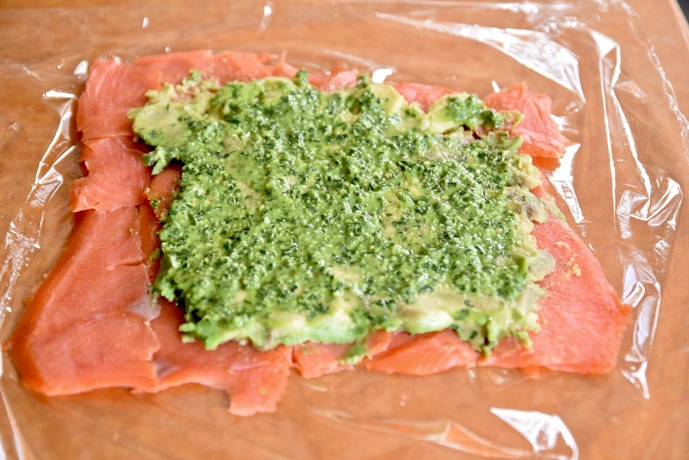 Avo pesto salmon roll ups.jpg