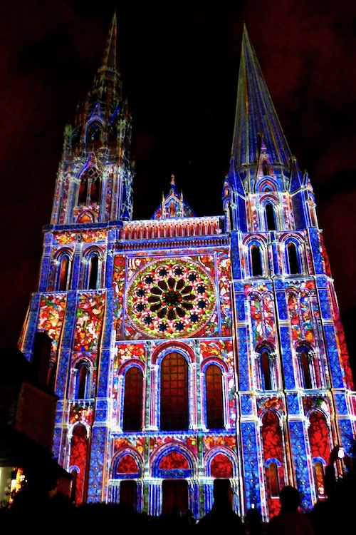 Chartres en lumiere cathedral.jpg