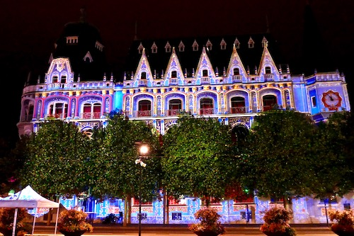 Chartres light show France.jpg