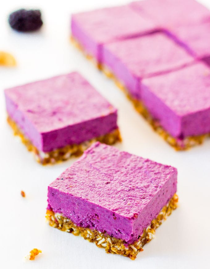 Raw-Vegan-Blackberry-Cheesecake
