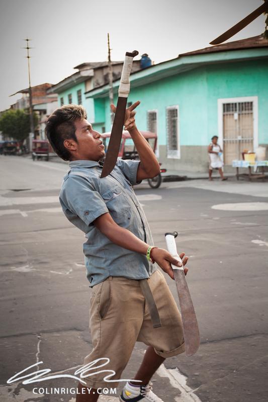 Peru_Iquitos_Juggler.jpg
