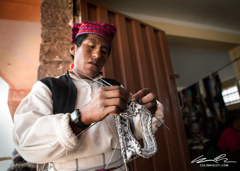 Peru_Taquile_Weaving-Man.jpg
