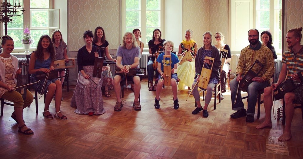 Bowed harp camp in Hiiumaa photo by Matthias Bartosik