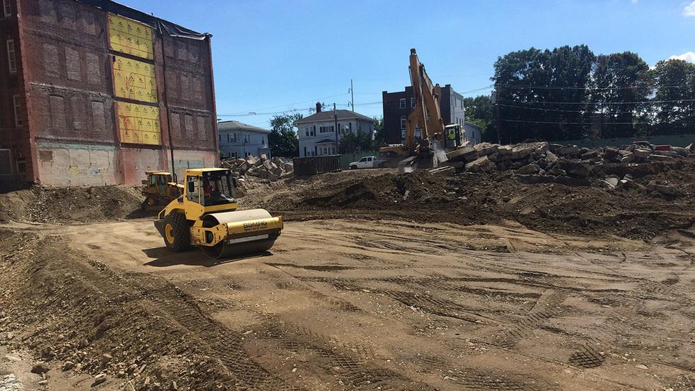 Clark Ave Construction-2-8.28.15.jpg