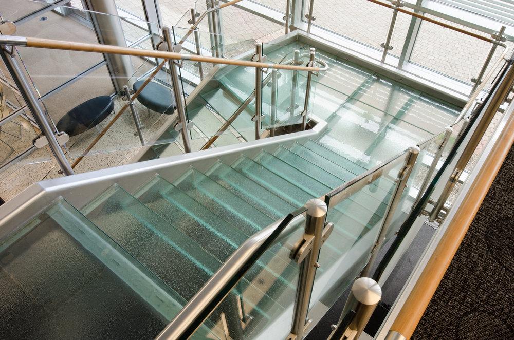 mcdaniel-stair-2153148.jpg