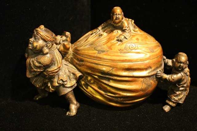 2013113004ASIAN01ChineseBronze.jpg