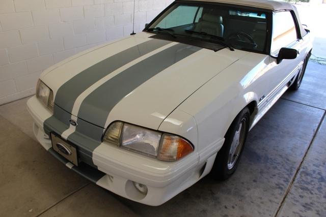 00 01 1990 Mustang Conv.jpg