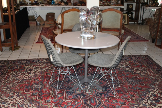 20140229 06 077 Eames Dining Table & Wire Chairs.jpg