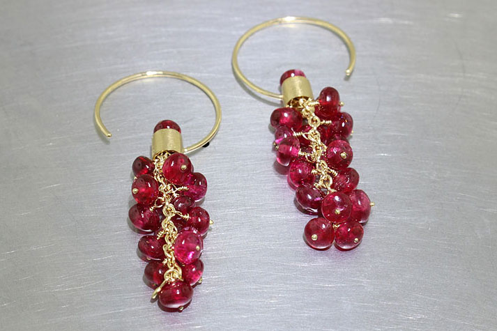 Item #23310897: Circle Hook Earrings in 18kt Yellow Gold with Vibrant Red Spinel Beads
