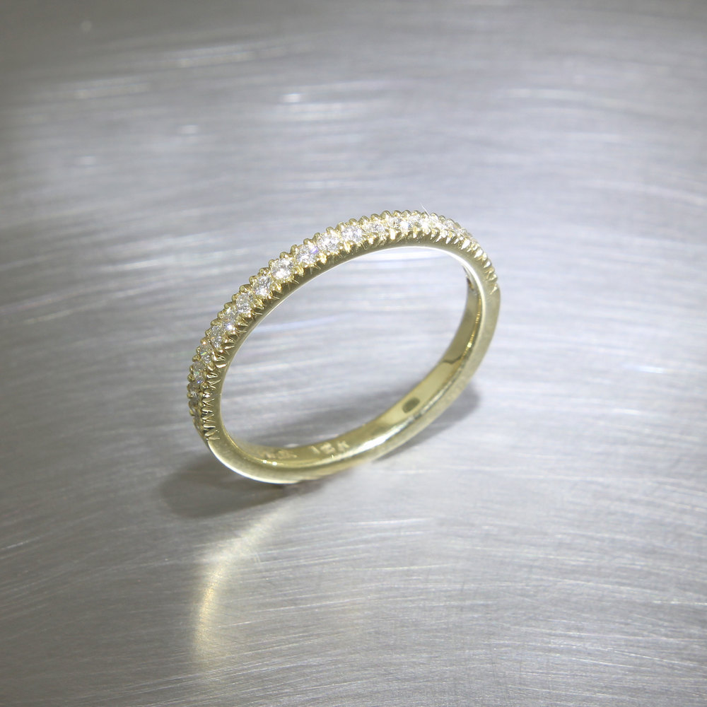 Item #21110093: Yellow Gold Half-Round Diamond Band