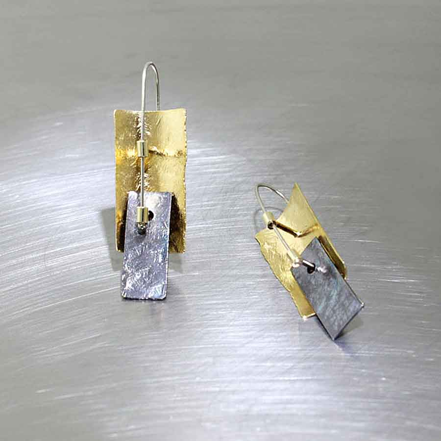 Item #28110369: 3-Dimensional Overlapping Rectangular Sheet Earrings, 22KY/18KY/Oxidized Sterling Silver