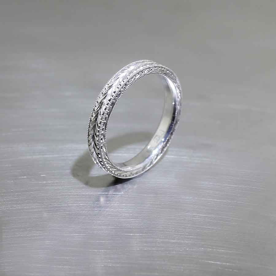 Style #21010119: Hand-Engraved 3mm Platinum Band
