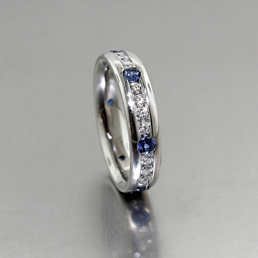 Style #21210017: Alternating Sapphire & Diamond Channel-Set Band in Platinum