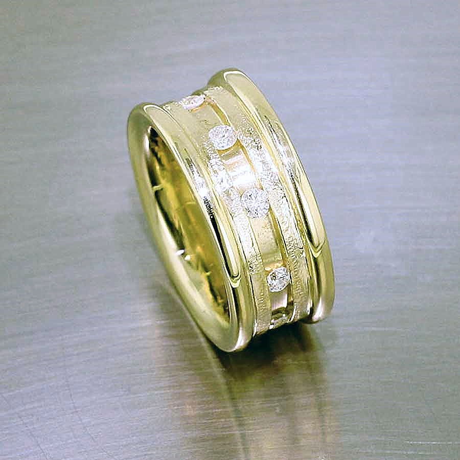 Style #10111745: Wide Yellow Gold Ribbed Band w/ Diamonds