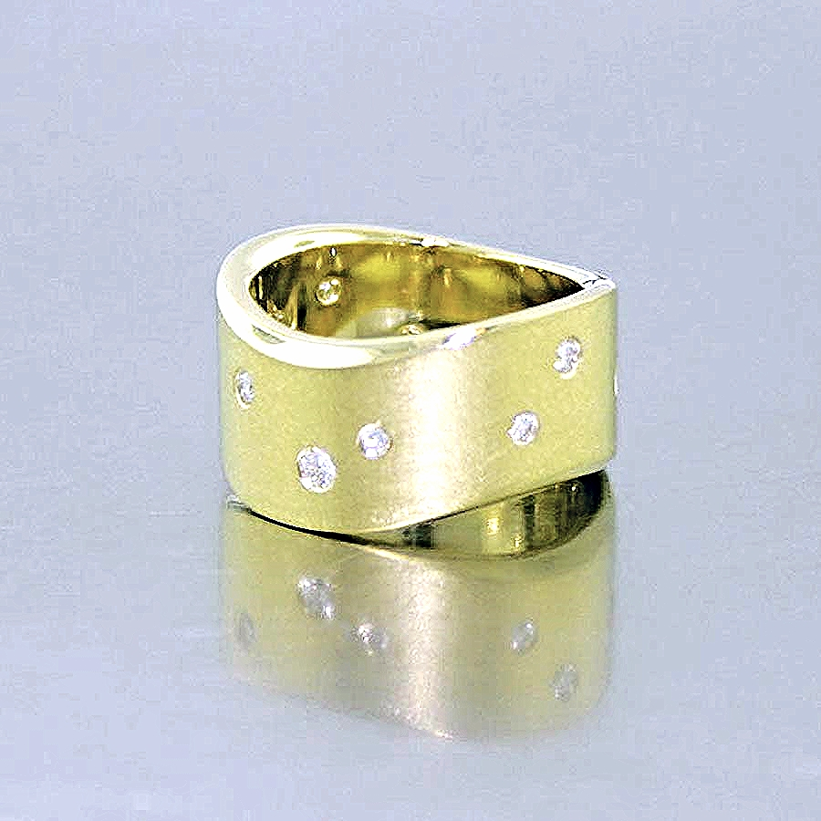 Style #11110145: Wide Yellow Gold Subtle Wave Band w/ Flush-Set Diamonds