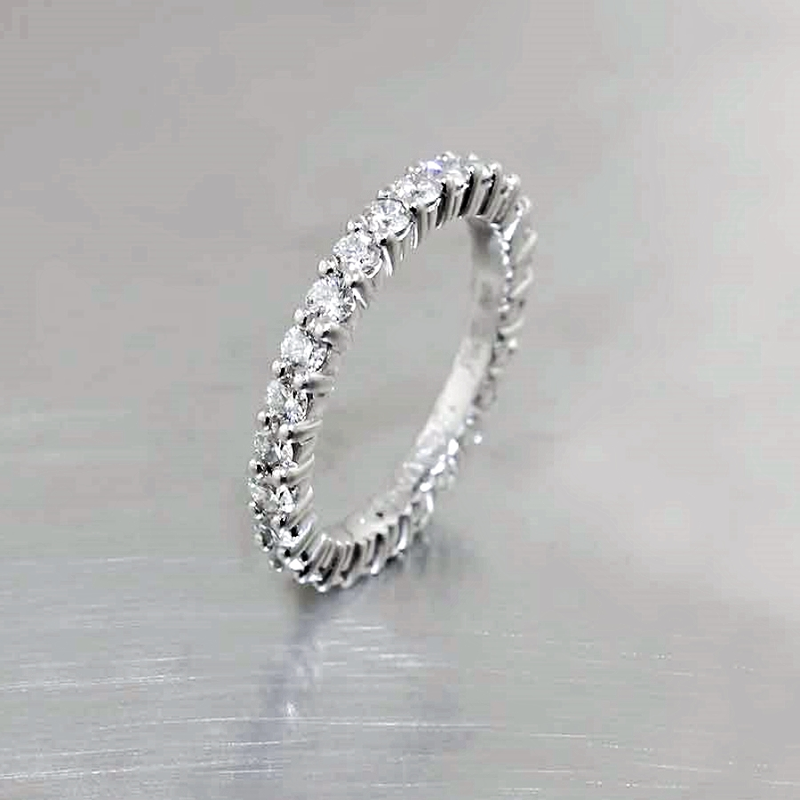 Style #21110046: Shared-Prong Diamond Eternity Band in Platinum