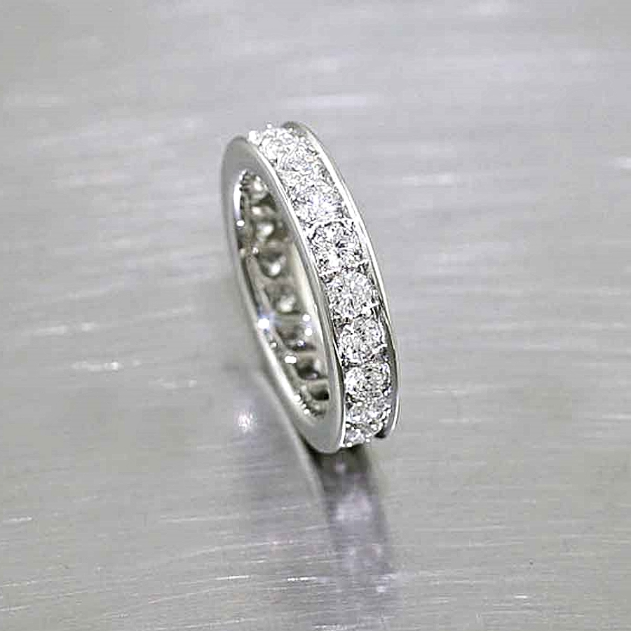 Style #21110056: Platinum Bead-Set Diamond Band w/ Flat-Edge Rails