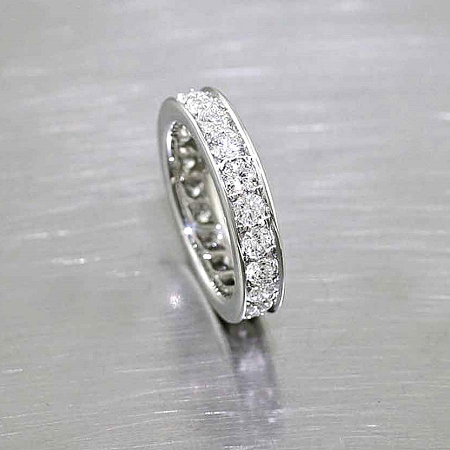 Style #21110056: Platinum Bead-Set Diamond Band w/ Flat-Edge Rails