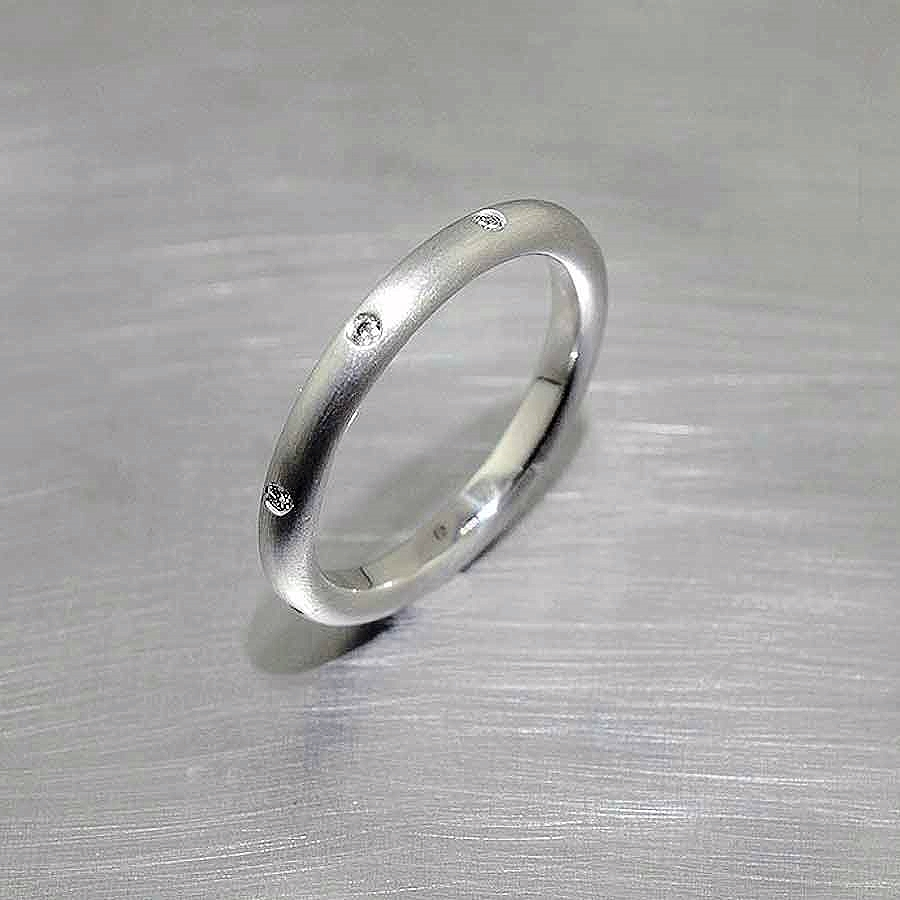 Style #21110086: Narrow Stackable Matte-Finished Platinum Band w/ Flush-Set Diamonds