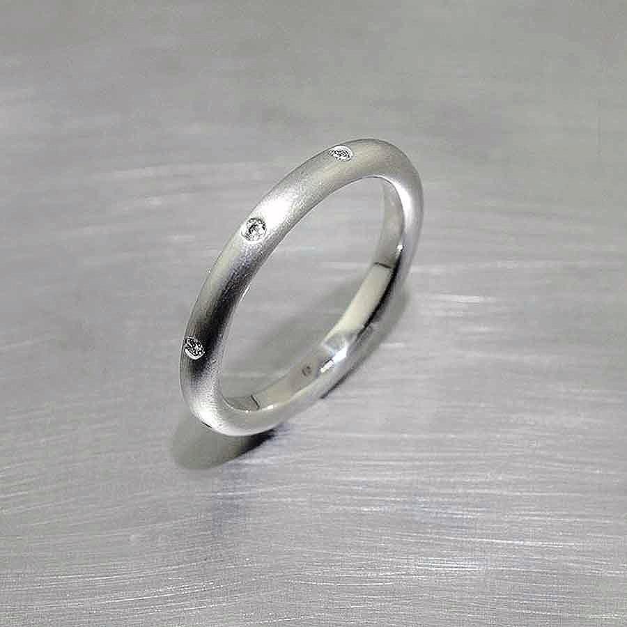 Style #21110086: Narrow Stackable Matte-Finished Platinum Band w/ Flush-Set Diamonds