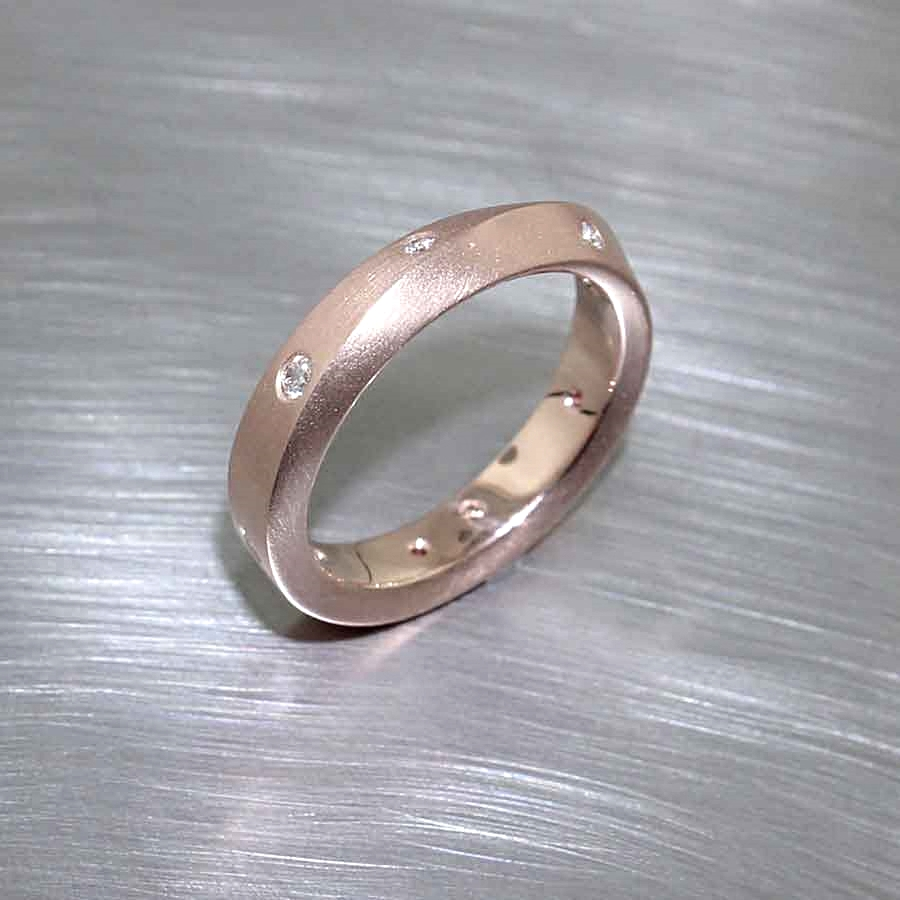 "Style #21110095: ""Mobius Strip"" Diamond Band in Matte-Finished Rose Gold"