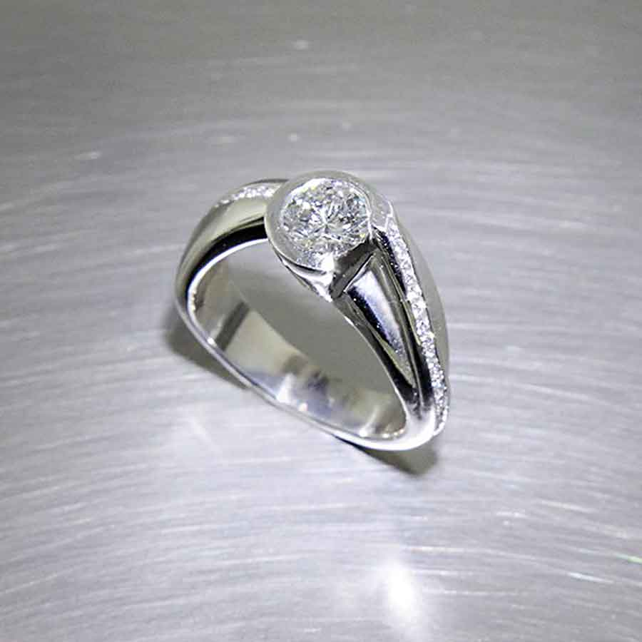 Style #22010490: Organic, Flowing Partial-Bezel Diamond Ring w/ Side Diamonds Set in Curvy Channels, Platinum