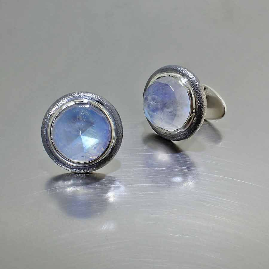 Style #28510009: Ethereal 32.16CT Rose-Cut Moonstones in Full-Bezel Cuff Links, Hammered-Texture Sterling Silver